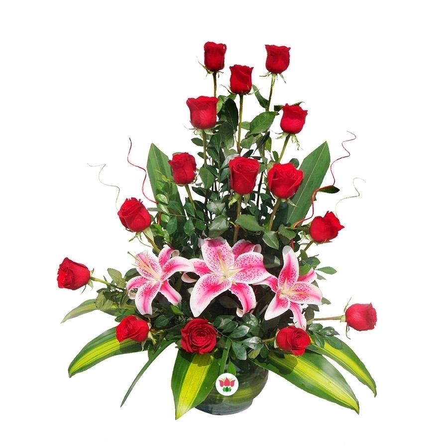 Arreglo De 15 Rosas 3 Lilium